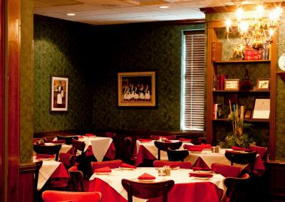 Gene & Georgetti Restaurant in Chicago, IL DiRoNA Awarded Restaurant