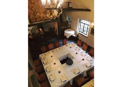 Hyeholde Restaurant in Coraopolis, PA Great Hall DiRoNA Awarded Restaurant