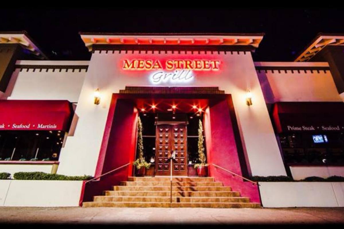Mesa Street Grill In El Paso Tx Entrance Dirona Awarded Restaurant